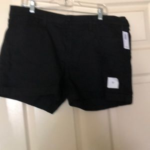 Old Navy black cuffed shorts